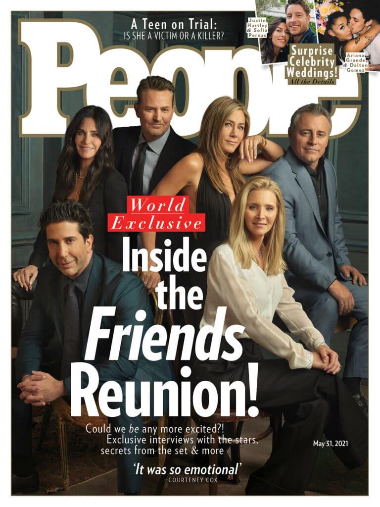 Imagens do elenco reunido após anos