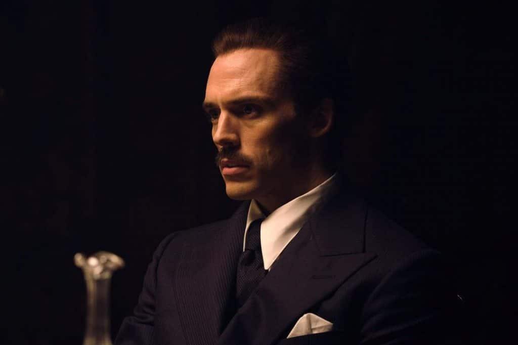 Sam Claflin como Oswald Mosley em Peaky Blinders da Netflix